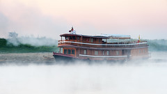 Ghost boat (SLpixeLS) Tags: mist river boat burma rivière myanmar bateau brume irrawaddy birmanie earthasia