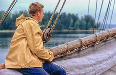 Sailing with S/S Maria to Göta Kanal, Sweden (Gösta Knochenhauer) Tags: sailing schooner galeas maria ship sweden göta kanal ss ssmaria båt segelfartyg skeppare skipper captain segling scanned colorslide analog analogue sverige schweden suède svezia pentax slr august 1968 suede suecia new2953xnik new2953x nik