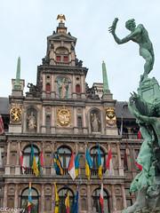 Grand'Place, Anvers (Gregouill) Tags: 2014 201410 antwerpen anvers belgien belgique belgium belgië drapeau façade grandplace hôteldeville octobre