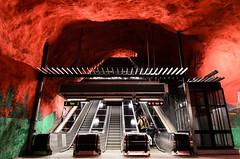 Solna metro station (JohannesLundberg) Tags: solna stockholm blueline escalator metro metrostation red subway subwaystation stockholmslän sweden europe scandinavia solnakommun stockholmkommun svealand uppland