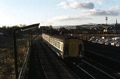 Class 126 DMU @ Johnstone, Scotland, February 1981 [slide 8155] (graeme9022) Tags: city uk blue white west cars station train circle grey scotland code br mechanical diesel box south transport swindon rail scotrail scot transportation second multiple series british local passenger 1980s signal railways coupling regional later semaphore intercity inter unit livery
