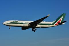 EI-EJP (Alitalia) (Steelhead 2010) Tags: airbus a330 alitalia yyz a330300 eireg eiejp