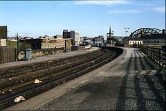 Gateshead West station, Tyne & Wear, 04/04/1980 [slide 8044] (graeme9022) Tags: uk england station north east disused northern eastern tyneside redundant