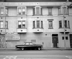 Mission district,   San Francisco (Dave Glass . foto) Tags: mission sanfrancisco sfchronicle96hrs acecafe missiondistrict 1961chevrolet nikonl35af3 1961chevyimpala