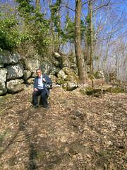 """Roccamonfina (CE), 2005, Mura megalitiche di epoca sannita in località """"Orto della Regina"""" (Fiore S. Barbato) Tags: italy campania mura monte regina vulcano caserta orto sanniti roccamonfina frascara megalitiche"""