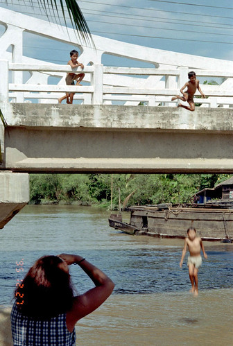 Vietnam Children by Ik T