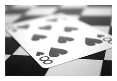 Macro Mondays : 8 of heart / 8 de cœur (Tostaky2) Tags: macro linesymmetry carte card monochrome 8 macromondays noiretblanc blackandwhite contrast canon eos550d