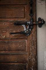 850_1274-Crop.jpg (Snapping Beauty) Tags: wood years iron alexandriava fixtures abstract day lock background nopeople textures virginia old 2018 clean things vertical places door esp