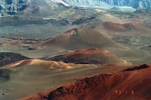 Haleakalā ー Maui by Ik T
