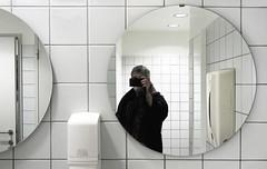 Mirrors at FOMU Antwerp (juliensart) Tags: juliensart fomu fotografiemuseum provincie antwerpen belgië belgium flanders vlaanderen museum lavatory room glas spiegel zelf zelfportret self portrait photography wit white tiles tegels 29jan17 fotomuseum fotografie nocopy photo foto karel julien cole attributionnoderivscreativecommons noncommercialuse