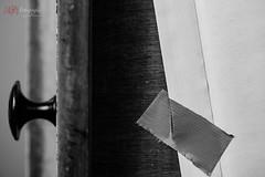 the secret under my desk | 20190407-_MB83603-HDR- Matthias Bauernschmidt Fotografie.jpg (MIAS#Fotografie) Tags: lookup schublade unterseite klebeband briefumschlag macromondays knauf gaffertape drawer knob envelope elinchromdliterx4 softbox sigma105mm bw desk table secret tisch geheimnis tape brief letter hdr challenge aufheller