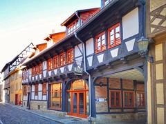 1560 (Mike Bonitz) Tags: deutschland germany sachsenanhalt saxonyanhalt quedlinburg stadt city architektur architecture haus häuser houses fachwerkhaus timberedhouse instagram huaweip20