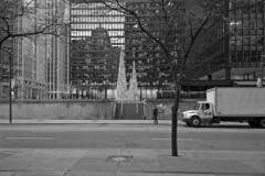 Toronto 2018_471 (c a r a p i e s) Tags: carapies cityscapes 2018 nikondf canada ontario toronto torontodominioncenter architecture arquitectura bw blackwhite blancoynegro fotografiaurbana urban urbanphotography urbanidad urbvanidad urbvanity urbanphoto streetphoto streetlife streetphotography