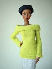Green sweater (Deejay Bafaroy) Tags: facesofadele adele makeda integrity toys fashion royalty thefacesofadele doll puppe fr black schwarz portrait porträt beret baskenmütze green grün sweater pullover pulli