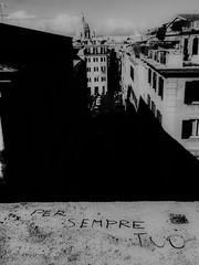 Per sempre tuo (Kristoffersonschach) Tags: rom rome italy blackandwhite