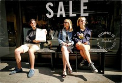 Sale (Steve Lundqvist) Tags: english london londra inghilterra england uk britain british street streetphotography fashion moda mood attractive location people cover young cute shooting portrait ritratto frame pose posed leica q boy shopping shop family sale excellent travail photographique stevelundqvist merci