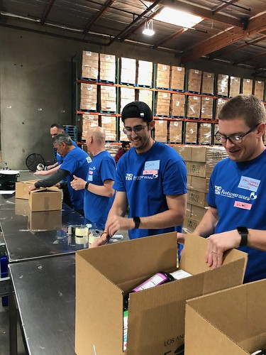 """LA Footwear Cares volunteers at the LA Regional Food Bank • <a style=""""font-size:0.8em;"""" href=""""http://www.flickr.com/photos/45709694@N06/32673250307/"""" target=""""_blank"""">View on Flickr</a>"""
