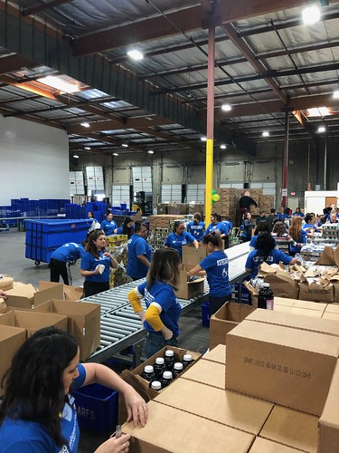"""LA Footwear Cares volunteers at the LA Regional Food Bank • <a style=""""font-size:0.8em;"""" href=""""http://www.flickr.com/photos/45709694@N06/32673250507/"""" target=""""_blank"""">View on Flickr</a>"""