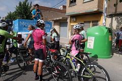 Mujeres ciclistas. (J.G.Sansano) Tags: bicicletas bici bike bicicle deporte street streetphotography fotografíacallejera g7xii