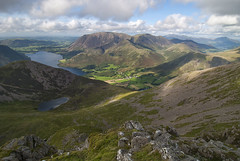 Bleaberry Tarn and Crummock Water from High Stile (Nick Landells) Tags: bleaberrytarn crummockwater highstile redpike dodd buttermere grasmoor whitelesspike rannerdaleknotts eelcrag craghill wandope highsnockrigg knottrigg sail skiddaw blencathra keswick lakedistrict lakelandphotowalks guided photo photography fell hill walk walks walking