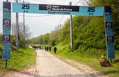 Après le passage du Paris Roubaix sur les pavés (louis.labbez) Tags: saintpython nord france parisroubaix pavé course race cyclisme cycliste coureur chemin route cycle labbez sport
