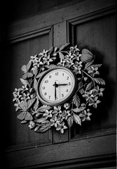 Antique clock (aurivera.photography) Tags: eos30 bw ilford film hp5 35mm antique clock
