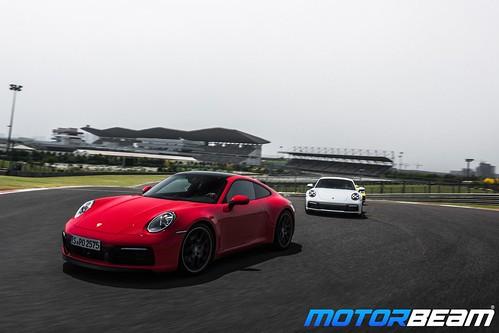 2019-Porsche-911-2