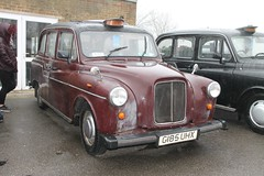 Austin FX4 Taxi (G185 UHX) (Ray's Photo Collection) Tags: detling maidstone kent heritage transport show classic car cars taxi cab g185uhx austin fx4