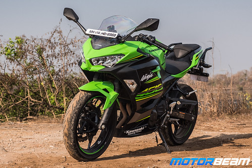 Kawasaki-Ninja-400-23