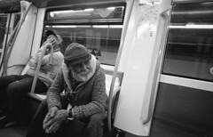 Metro Madrid (marioandrei) Tags: ilford hp5 ei1600 contax g2 zeiss biogon t kodak hc110 21mm 28