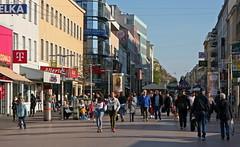 People (Wolfgang Bazer) Tags: pedestrian zone favoriten favoritner fusgängerzone street wien vienna österreich austria austrias rightwing government people leute welfare benefits sozialhilfe mindestsicherung
