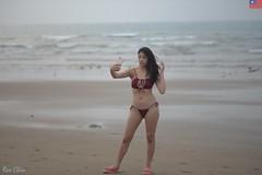 艾森 (玩家) Tags: 2019 台灣 台北 洲子灣 人像 外拍 正妹 模特兒 比基尼 海邊 泳裝 艾森 戶外 定焦 無後製 無修圖 taiwan taipei portrait glamour model girl female bikini eisen outdoor d610 85mm prime