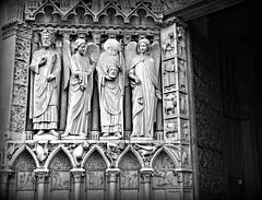 Memories of Notre-Dame de Paris (dominotic) Tags: christmas2017 notredamedeparis ourladyofparis statueofsaintdenis blackandwhite history architecture gargoyle carving 4tharrondissement îledelacité medievalcatholiccathedral bw paris france