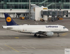Lufthansa A319-112 D-AIBA taxiing at MUC/EDDM (AviationEagle32) Tags: munichairport munchen munich muc flughafenmunchen flughafenmunich flughafen franzjosefairport franzjosef eddm germany deutschland airport aircraft airplanes apron aviation aeroplanes avp aviationphotography avgeek aviationlovers aviationgeek aeroplane airplane planespotting planes plane flying flickraviation flight vehicle tarmac lufthansagroup lufthansa staralliance airbus319 a319 a319100 a319112 daiba