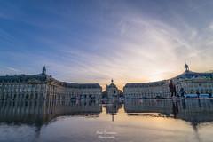 Reflet de couple (PaaulDvD) Tags: bordeaux city gironde aquitaine france colors reflet sun sunset blue urbanscape cityscape