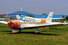 C-GGWS   Piper PA-28-140 Cherokee [28-7625091] Oshawa~C 25/06/2005 (raybarber2) Tags: 287625091 airportdata approachtodo cn287625091 canadiancivil cggws cyoo filed flickr planebase raybarber single