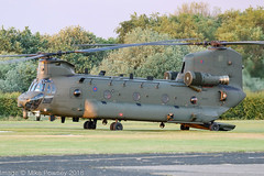 ZK559 - 2015 build Boeing-Vertol Chinook HC.6, setting down at Barton (egcc) Tags: barton boeingvertol chinook cityairport egcb hc6 helicopter lightroom m7710 manchester military n710uk raf royalairforce zk559