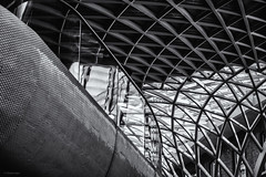 Going Round Again. (sdupimages) Tags: londres noirblanc blackwhite noiretblanc bw nb architecture monochrome london station abstract lines lignes abstrait