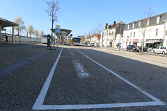 Parking gare sncf (villenevers) Tags: parking gare sncf taxi