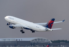 N854NW - 4/14/19 (nstampede002) Tags: delta deltaairlines airbus airbusa330 airbusa330200 a330 a330200 katl takeoff thunderstorm aviationphotography commercialaviation airliner