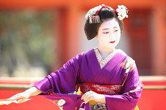 Maiko stage (Teruhide Tomori) Tags: kyoto japon japan heianjingushrine maiko performance tradition festival kimono stage 舞妓 京都 伝統 日本 着物 舞台 lady 踊り dance portrait event 平安神宮