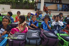 WFABTS08464 (Wisdomforasia) Tags: backpacks backtoschool wisdomforasia village children helping schoolsupplies