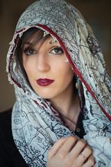 Scarf portrait : Elodie : Nikon D600 : Nikkor 85 mm F/1.8 AF-S (Benjamin Ballande) Tags: scarf portrait elodie nikon d600 nikkor 85 mm f18 afs