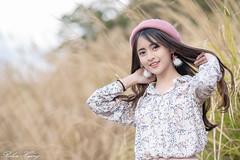 DSC_2445 (Robin Huang 35) Tags: 三義鄉 苗栗縣 中華民國 張淳艾 波比 poppy 芒草 遊拍 人像 portrait lady girl nikon d850