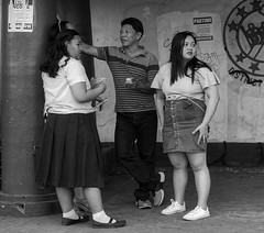 Chatting (Beegee49) Tags: street people chatting talking filipina happy planet blackandwhite monochrome bw sony a6000 bacolod city philippines asia
