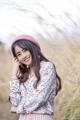 DSC_2449 (Robin Huang 35) Tags: 三義鄉 苗栗縣 中華民國 張淳艾 波比 poppy 芒草 遊拍 人像 portrait lady girl nikon d850
