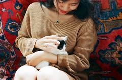(grousespouse) Tags: vietnam 35mm analog film olympusom2n fzuiko50mmf18 fujicolor100 analogue portrait colorfilm colourfilm argentique beauty vietnamese girl asia dalat cat holiday travel grain 50mm phim dep scanned croplab grousespouse 2018