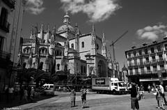 Segovia, España. Catedral y Plaza Mayor. (Caty V. mazarias antoranz) Tags: spain españa catedrales homenajeanotredame recordandoanotredame parís conparís catedralesespañolas monumentosdeespaña semanasanta religión ateísmo arte solidaridad recuerdo hermandad reconocimiento arquitectura arteenpiedra