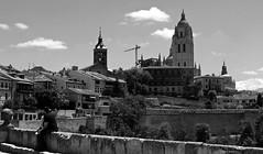Segovia, España. (Caty V. mazarias antoranz) Tags: spain españa catedrales homenajeanotredame recordandoanotredame parís conparís catedralesespañolas monumentosdeespaña semanasanta religión ateísmo arte solidaridad recuerdo hermandad reconocimiento arquitectura arteenpiedra segovia gótico