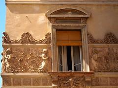 Architectural ornamentation in Tuscany (I like green) Tags: tuscany italy april 2018